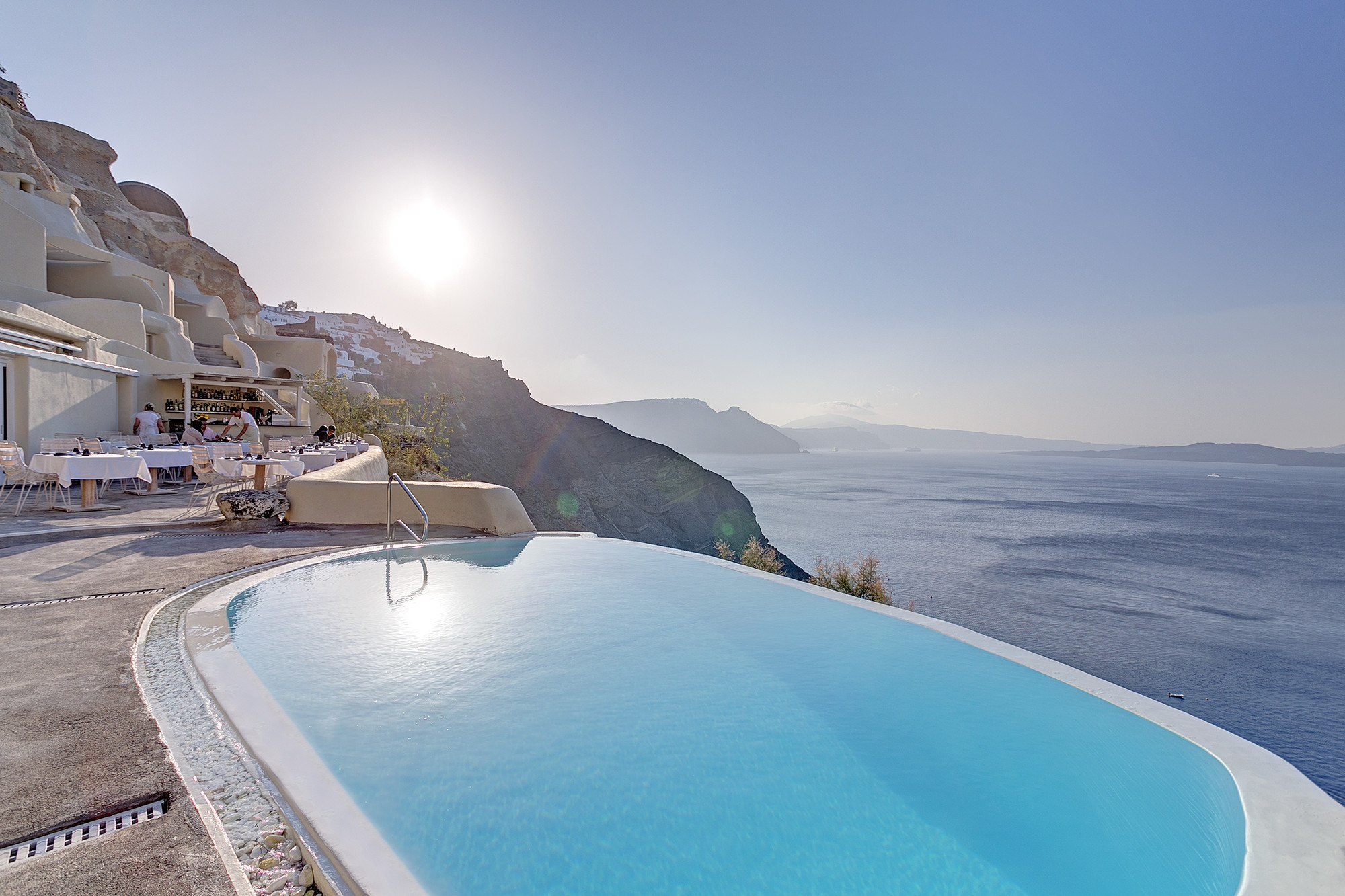 Discover santorini with starwood hotels resorts for Hotels santorin