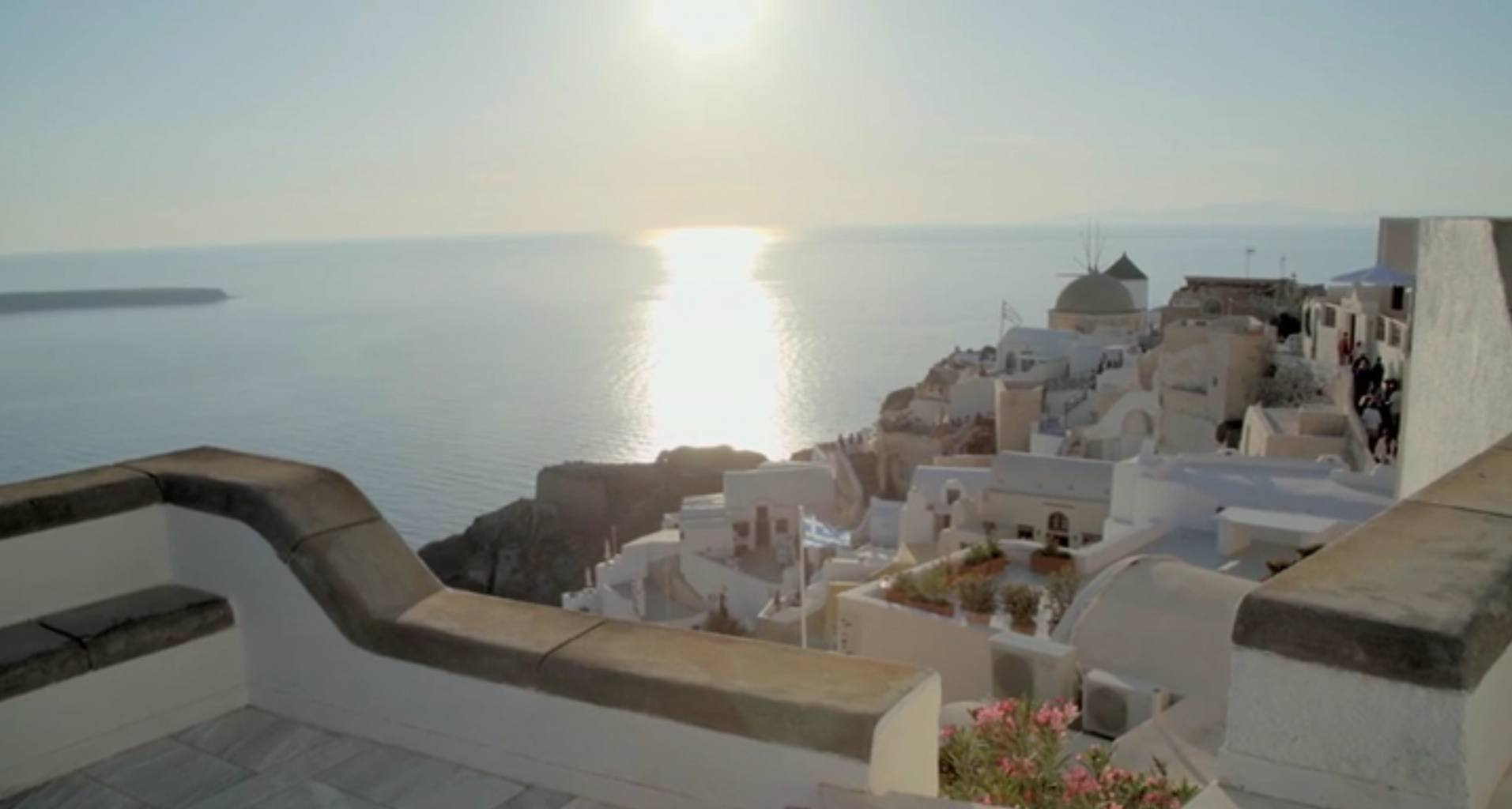Santorini sunset Oia_Journey Greece_Mystique Hotel