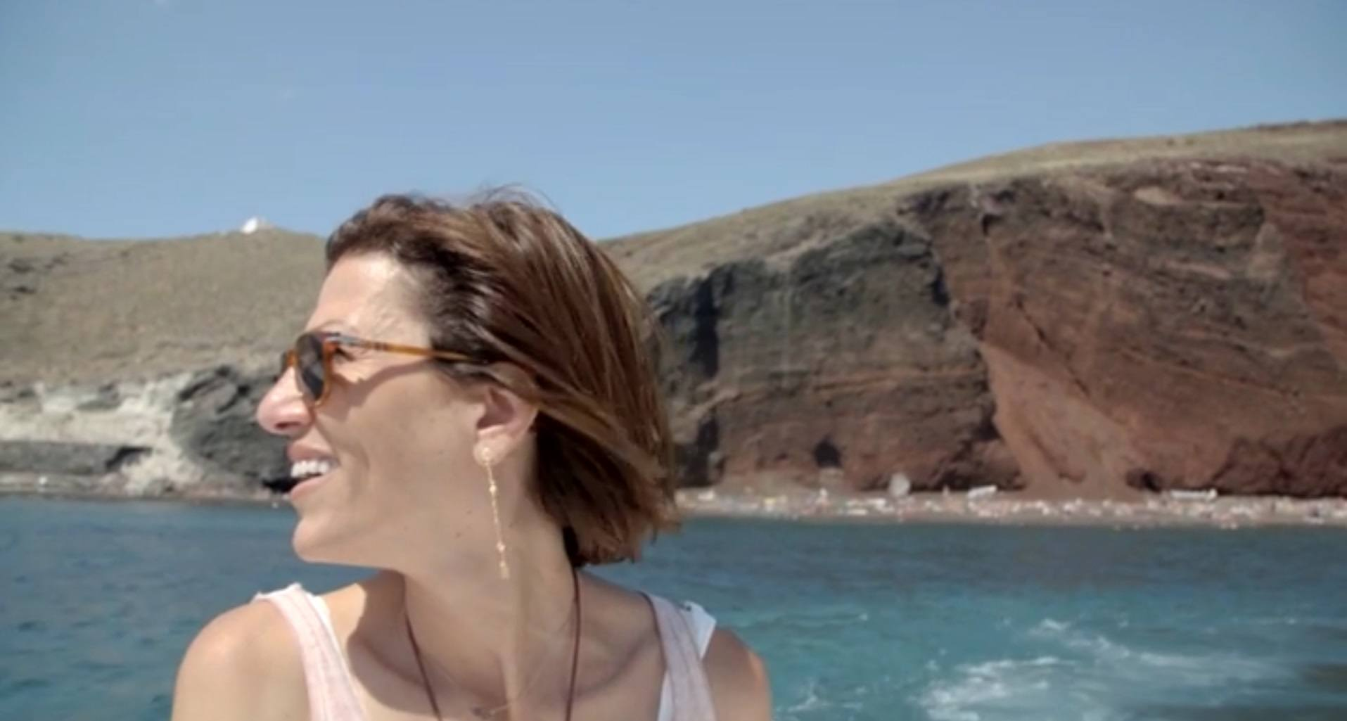 Speedboat cruise around the volcano Santorini_Journey Greece_Mystique Hotel