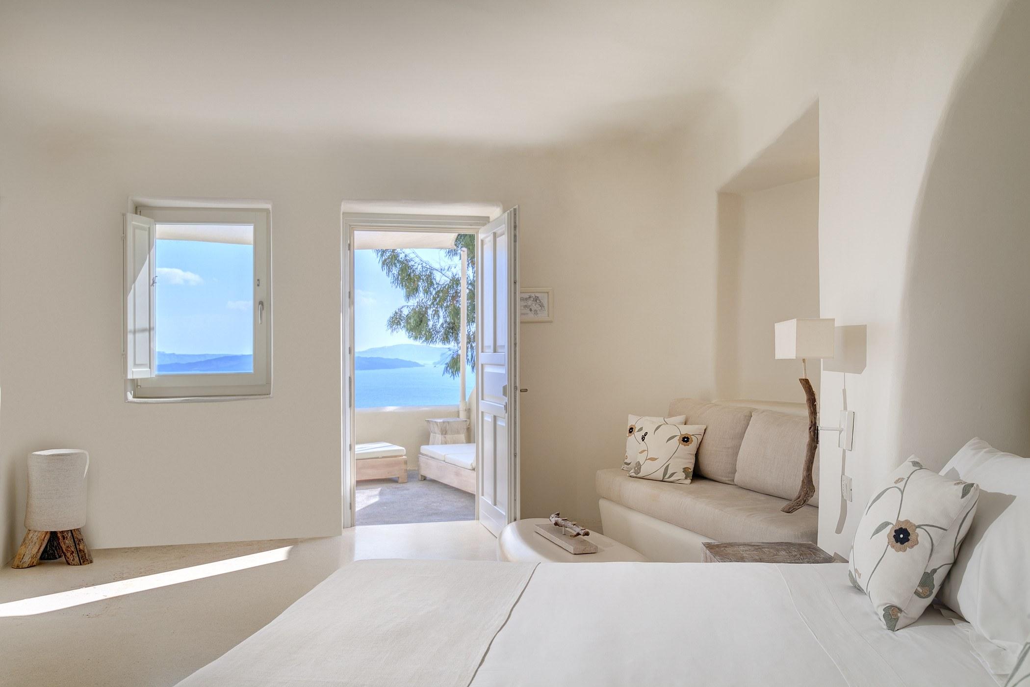 Mystique a luxury collection hotel santorini for Luxury collection hotels