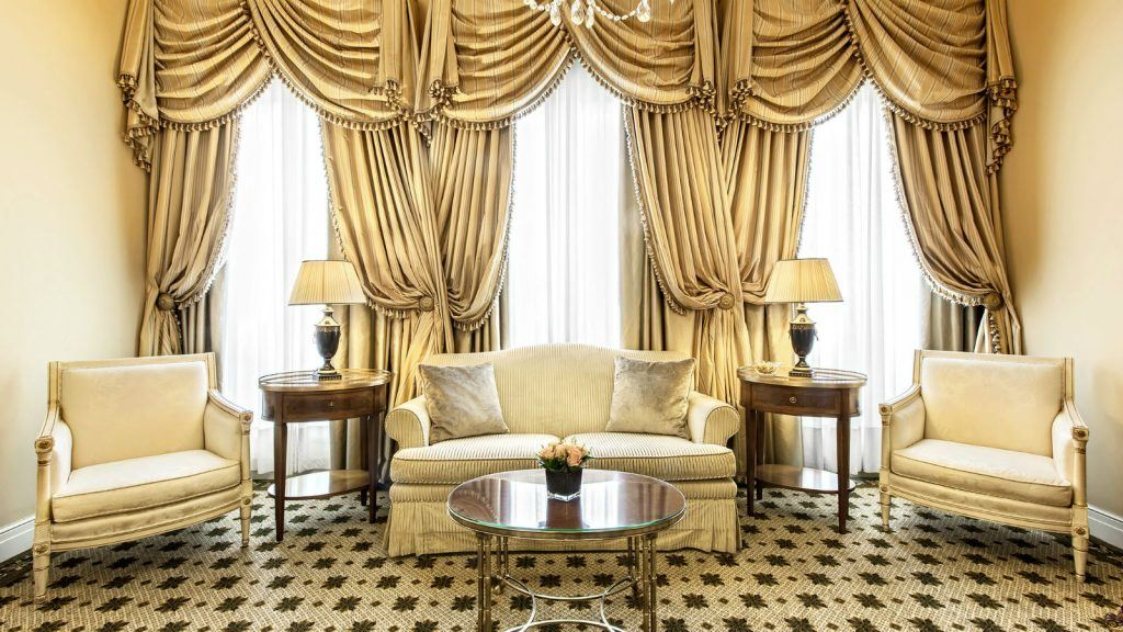 grand-suite-living-room-at-hotel-grande-bretagne-athens-1