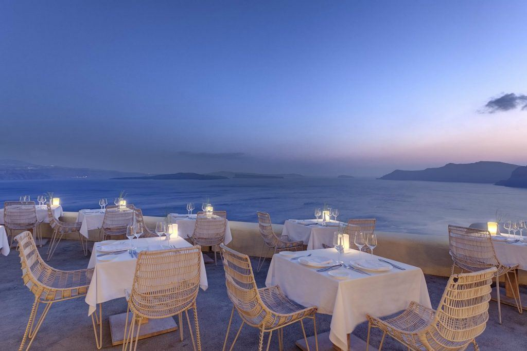 mystique-journey-greece-dining