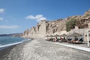 eros-beach-santorini-journey-to-greece