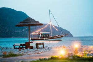 journey-greece-crete-traditional-caique