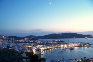 journey-greece-mykonos-old-port