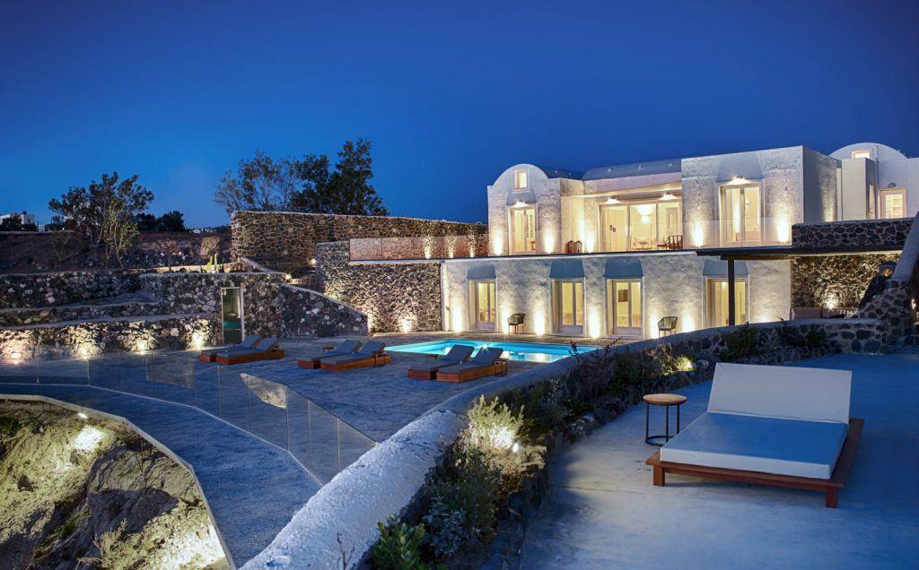 journey-to-greece-nafsika-estate-santorini-luxury-villa-night-view-outdoors