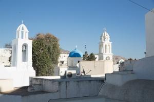 journey-to-greece-santorini-emporeio-village