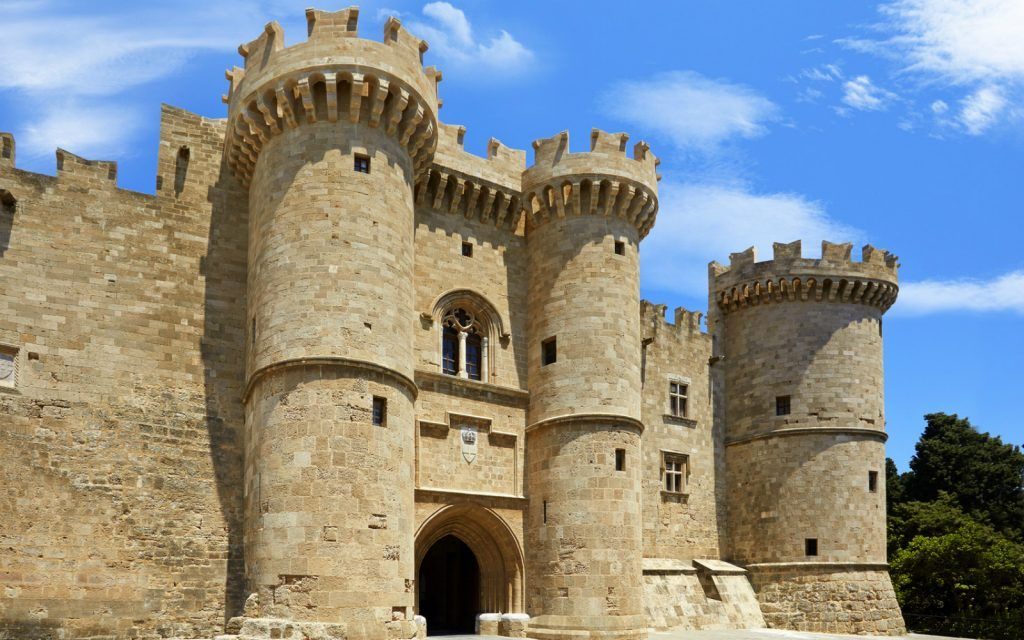 local-area-medieval-town-palace-of-the-grand-master-south-gate-1600x1000