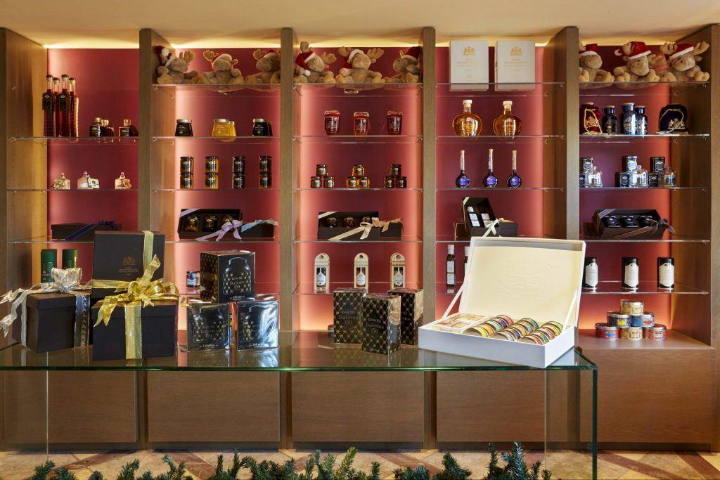 hotel-grande-bretagne-gb-corner-gift-shop