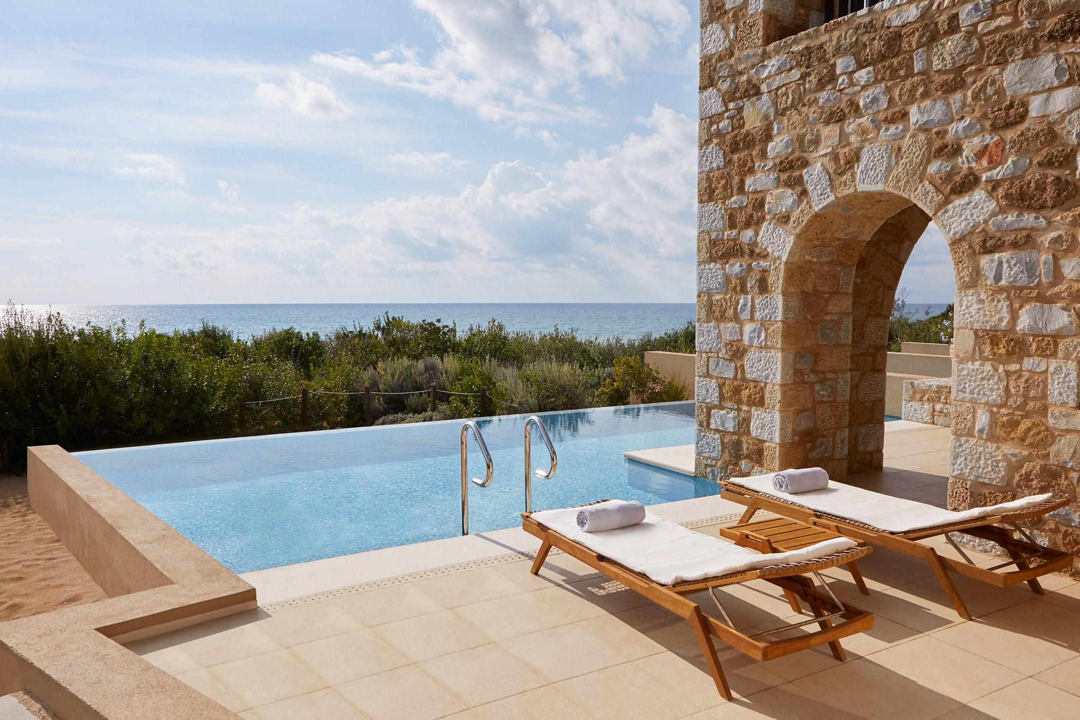 premium-infinity-suite-pool-the-westin-resort-costa-navarino