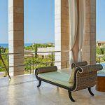 1500 open-air Lobby-Med