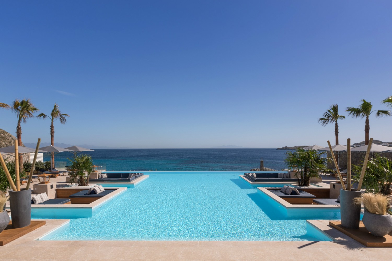 Oasis Pool & Lounge at Santa Marina Mykonos_Daytime (1)